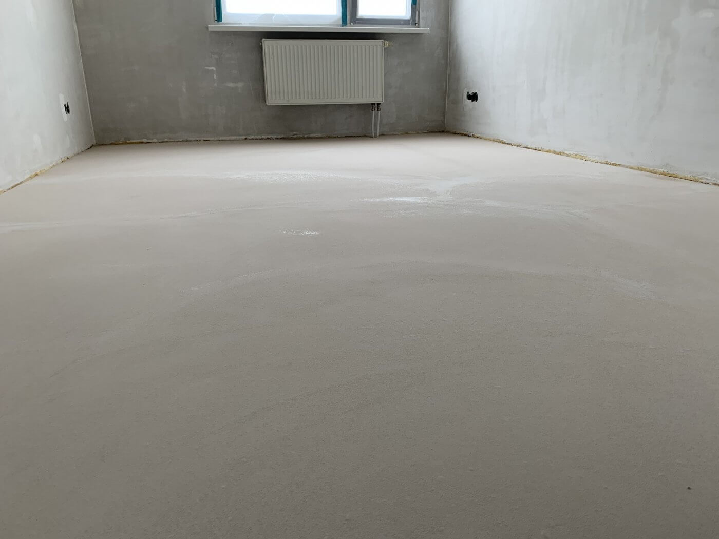 vyrovnanie podlahy pomocou samonivelizačnej hmoty